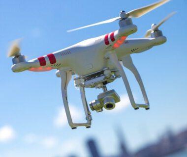 filmowanie dronem nie musi byc drogie